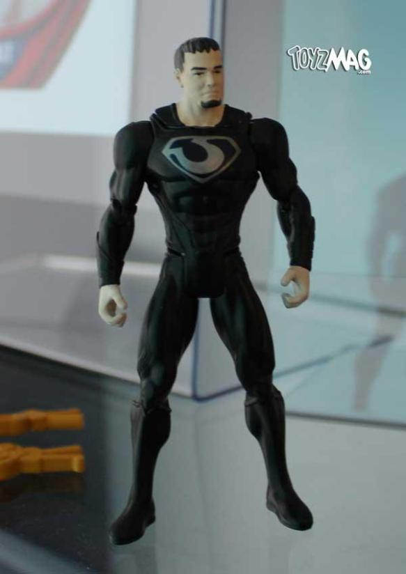 a dark superman looking Zod